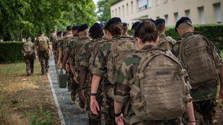 Des soldats français, le 28 juin 2017 àFontevraud-l'Abbaye (Maine-et-Loire). (GUILLAUME SOUVANT / AFP)