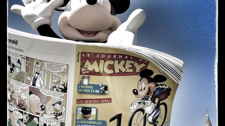 """""""Le Journal de Mickey"""" consacré à la 100e édition du Tour de France, le 30 juin 2013. (JOEL SAGET / AFP)"""
