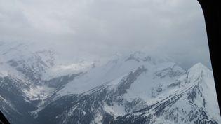 La zone montagneuse à proximité de laquelle s'est écrasé un Airbus A320, le 24 mars 2015, dans les Alpes-de-Haute-Provence. (VIRGILE LLADO / FRANCE 2)