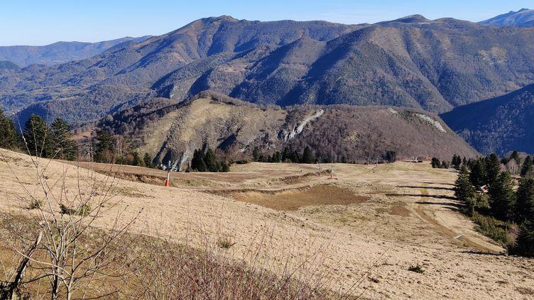 Seules trois pistes sur une quarantaine sous ouvertes à Guzet (Ariège) (STEPHANE IGLESIS / RADIO FRANCE)