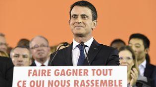"""Manuel Valls a annoncé lundi 5 décembre qu'il était """"candidat à la présidence de la République"""" à Evry (Essonne). (BERTRAND GUAY / AFP)"""