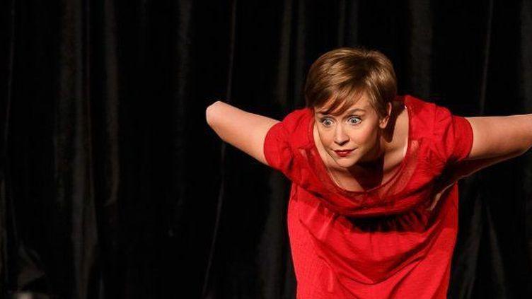 """Manon Lepomme, l'étoile montante de l'humour belge, a conquis la France avec son spectacle """"Non, je n'irai pas chez le psy""""  (Henry Magerès)"""