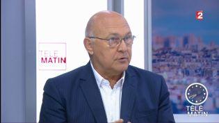"""L'ancien ministe socialiste du Budget Michel Sapin sur le plateau des """"4 vérités"""" de France 2, le 12 juillet 2017. (FRANCE 2)"""
