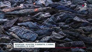 Vendredi 11 décembre, France Télévisions revient sur le destin mouvementé du vêtement le plus porté de la planète : le jean. (France 2)