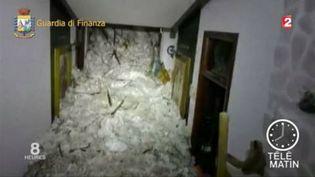 L'hôtel en Italie a été enseveli sous une avalanche. (FRANCE 3)