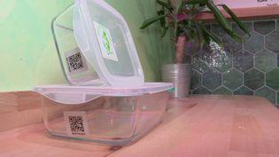 Les boîtes en verre proposées par l'entreprise Barnabé. (France 3 Caen)