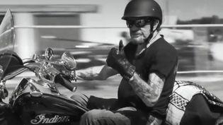 Johnny Hallyday aux États-Unis, dans un extrait du filmÀ nos promesses,réalisé parFrançois Goetghebeur (À nos promesses / Réal. François Goetghebeur)