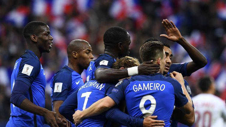 La joie des Bleus après leur succès face à la Bulgarie (4-1) (FRANCK FIFE / AFP)