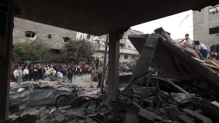 Le quartier général du Hamas détruit par un bombardement israélien, le 17 novembre 2012 à Gaza. (MOHAMMED SALEM / REUTERS)