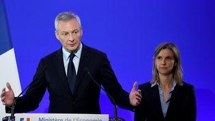 Bruno Le Maire et Agnès Pannier-Runacher, lors d'une conférence de presse au ministère de l'Economie et des Finances, mercredi 31 octobre 2018. (ERIC PIERMONT / AFP)