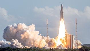 Une fusée Ariane 5 décolle de Kourou, en Guyane, le 25 juillet 2018. (AFP)