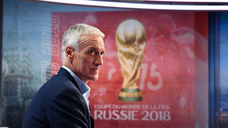 Le sélectionneur de l'équipe de France Didier Deschamps sur le plateau de TF1 le 17 mai 2018. (FRANCK FIFE / AFP)
