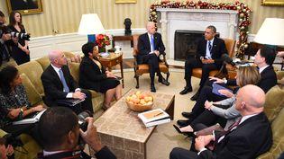 Le président américain, Barack Obama, lors d'une réunion avec son conseil de sécurité à Washington (Etats-Unis), le3 décembre 2015, au lendemain d'une fusillade en Californie. (JIM WATSON / AFP)