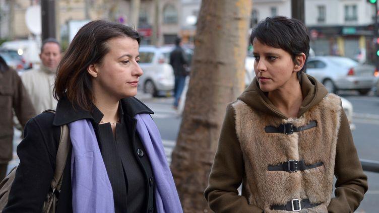 Les anciennes ministres Cécile Duflot (Oxfam) et Najat Vallaud-Belkacem (France one), le 25 novembre 2012 à Paris. (BERTRAND LANGLOIS / AFP)