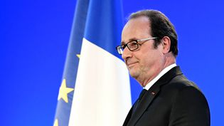 François Hollande, le 18 mars 2017, à Crolles (Isère). (JEAN-PIERRE CLATOT / POOL)