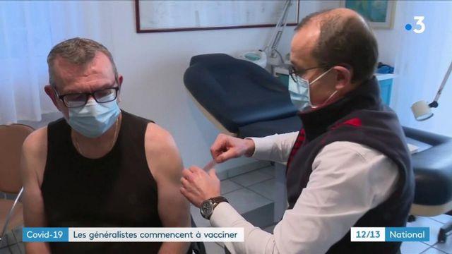 Covid-19 : les médecins généralistes ont commencé à vacciner certains de leurs patients