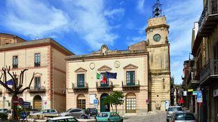 L'hôtel de ville de Corleone, en Sicile (Italie), en 2020. (ANTOINE LORGNIER / ONLY WORLD / AFP)