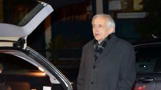 Cornelius Gurlitt devant sa voiture le 17 novembre 2013 à Munich  (Babirad / Sipa)