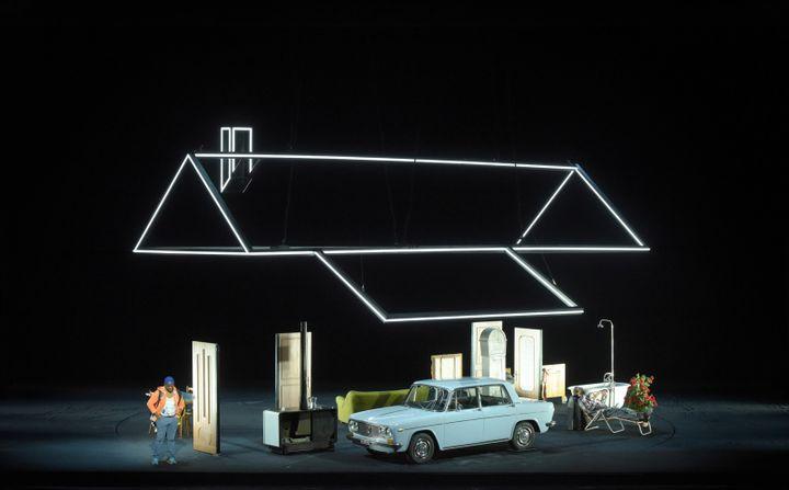 La maison de Don Pasquale.  (Vincent Pontet/Opéra national de Paris)