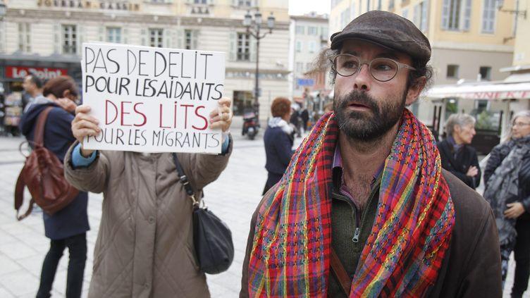 """Cédric Herrou est jugé mercredi 4 janvier """"aide à l'entrée, à la circulation et au séjour d'étrangers en situation irrégulière"""". (CYRIL DODERGNY / MAXPPP)"""