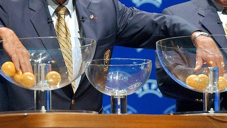 Le tirage au sort  (PASCAL GUYOT / AFP)