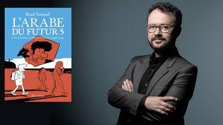 L'auteur de bande desssinée Riad Sattouf en septembre 2020 et la couverture de L'Arabe du Futur 5, Allary éditions, novembre 2020 (JOEL SAGET / AFP)
