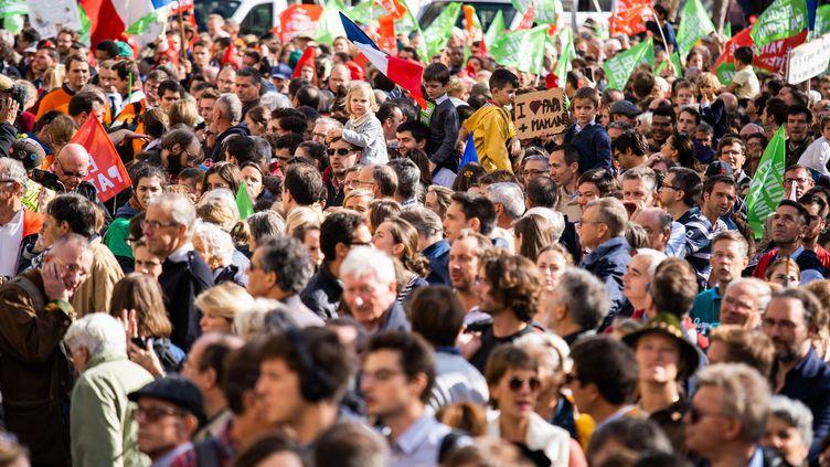 Manifestation des anti-PMA à Paris, le 6 octobre 2019. (XOSE BOUZAS / HANS LUCAS)