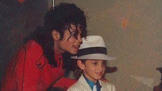 "Michael Jackson et Wade Robson enfant dans le documentaire ""Leaving Neverland"" de Dan Reed.  ( HBO Documentary Films)"