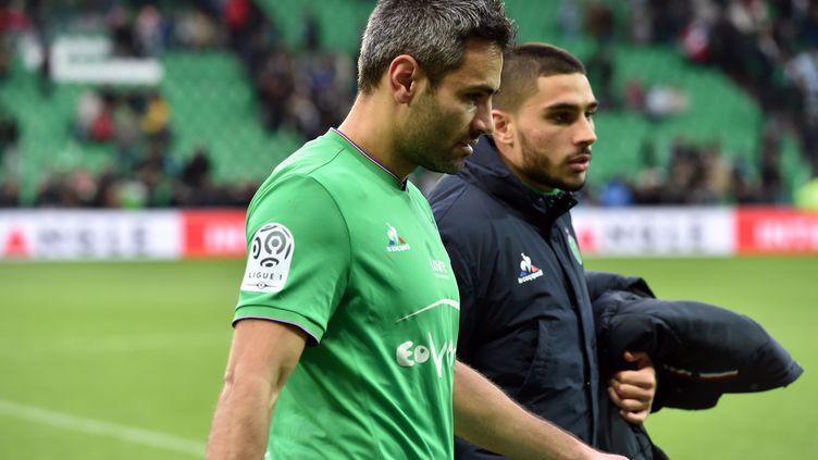 La déception de Loïc Perrin, le capitaine de l'AS Saint-Etienne  (YVES SALVAT / MAXPPP)