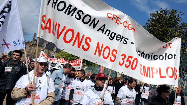 Employees de Technicolor Rennes manifestent mardi 24 avril 2012 (THOMAS BREGARDIS / AFP)