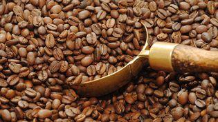 43 tonnes de café contrefait ont été saisis, en juillet 2015, dans les locaux de la direction des enquêtes douanières. (©BERNARD MARTINEZ/WOSTOK PRESS / MAXPPP)