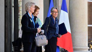 Sophie Cluzel, Florence Parly et Elisabeth Borne à la sortie de conseil des ministres le 4 avril 2018. (MAXPPP)