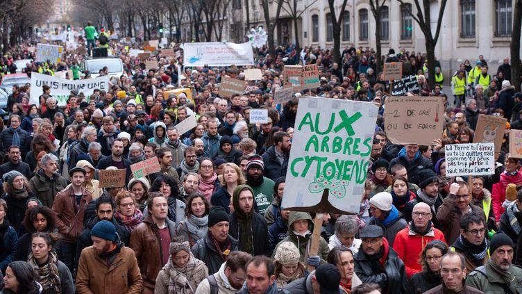 La marche pour le climat, à Paris, le 8 décembre 2018. (LAURENT PAILLIER / LE PICTORIUM / MAXPPP)