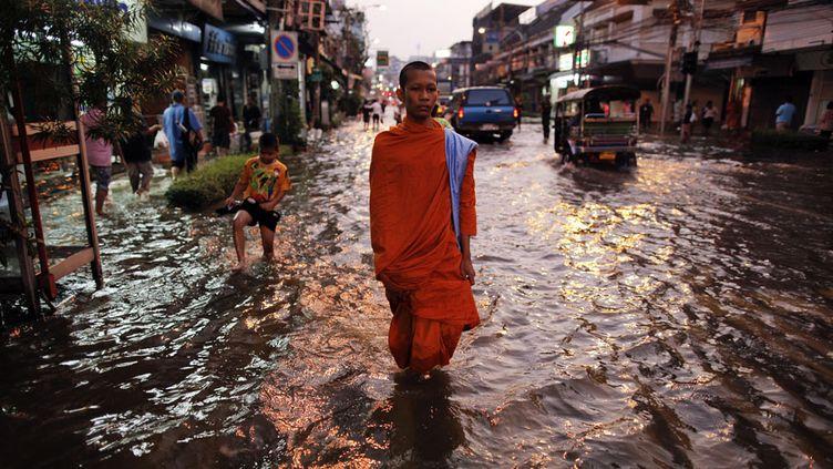 La Thaïlande subit depuis plusieurs semaines ses pires inondations depuis des décennies. (DAMIR SAGOLJ / REUTERS)