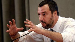 Le ministre de l'Intéreur italien Matteo Salvini lors d'une conférence de presse à Rome, le 25 juin 2018. (TIZIANA FABI / AFP)