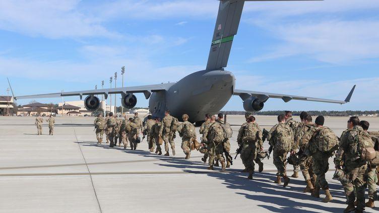 Des soldats de l'armée américaine, le 1er janvier 2020. (CAPT. ROBYN HAAKE / US ARMY / APF)