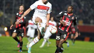L'attaquant du PSG Zlatan Ibrahimovic lors de la défaite de son club à Nice, le 1er décembre 2012. (GERARD JULIEN / AFP)