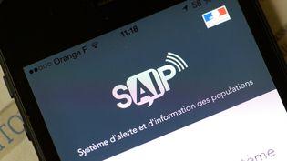 L'application d'alerte d'informations des populations, SAIP, installée sur un smartphone au lancement de l'Euro 2016, le 8 juin. (BERTRAND GUAY / AFP)