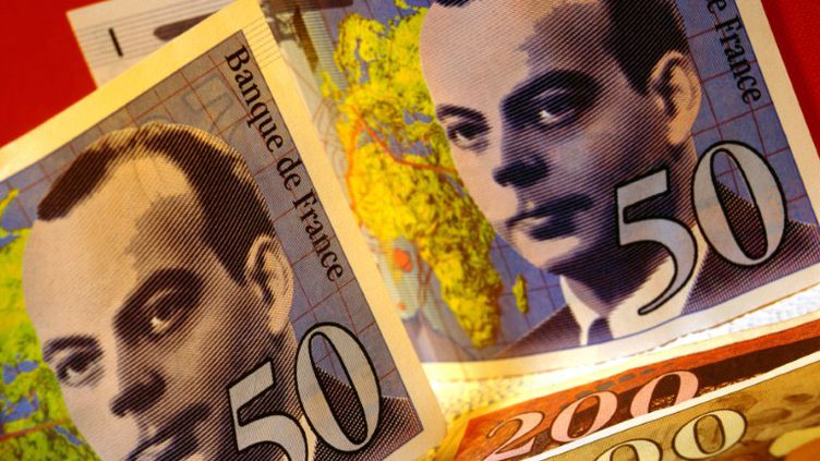 Les billets de 50 francs à l'effigie d'Antoine de Saint-Exupéry font partie des derniers à pouvoir être échangés avant le 17 février. (STEVE ALLEN / JUPITER IMAGES /AFP)