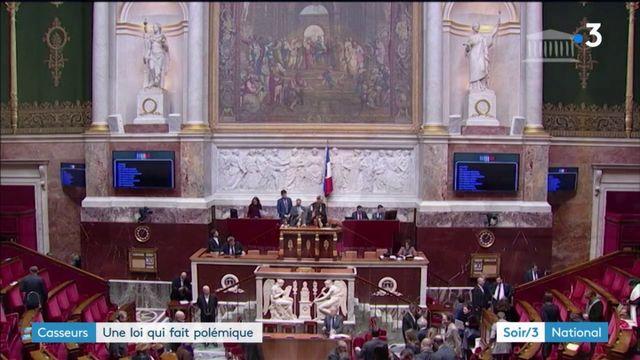 """Loi """"anti-casseurs"""" : des débats houleux à l'Assemblée"""