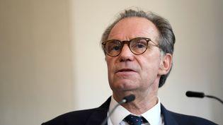 Le président de la région Provence-Alpes-Côte d'Azur, Renaud Muselier, lors d'une conférence de presse à Marseille, le 28 avril 2021. (NICOLAS TUCAT / AFP)
