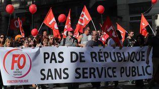 Des fonctionnaires manifestent le 10 octobre 2017 à Bordeaux, contre les mesures du gouvernement visant la fonction publique. (MAXPPP)