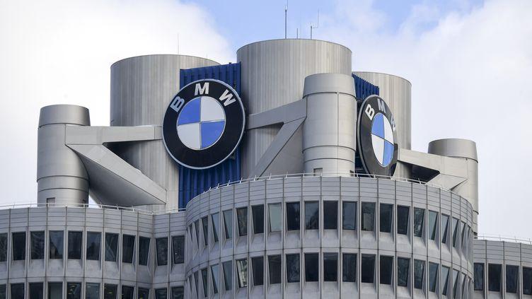 Le siège de BMW à Munich, en Allemagne, le 20 mars 2018. (CHRISTOF STACHE / AFP)