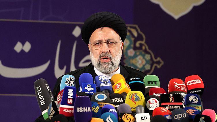 Le candidat à la présidentielle iranienneEbrahim Raïssi, en mai 2021. (ATTA KENARE / AFP)
