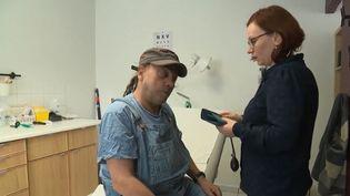 Les caméras de France 3 ont suivi le quotidien d'Hélène Tisserant, jeune médecin généraliste qui a choisi de s'installer dans un désert médical. (FRANCE 3)