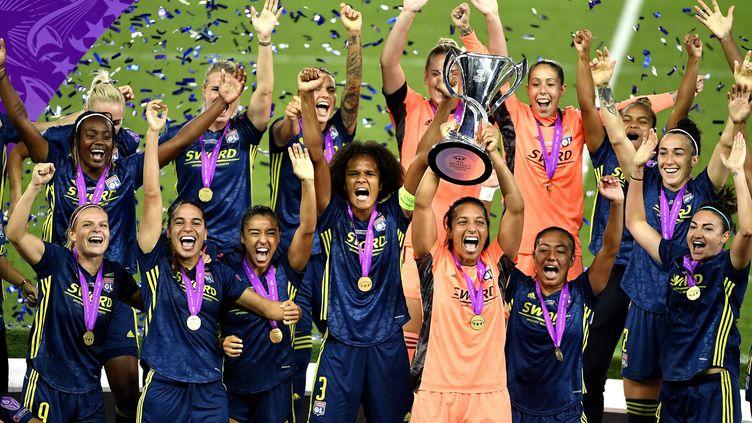 L'équipe féminine de l'Olympique lyonnais a remporté la Ligue des Champions à Saint-Sébastien, le 30 août 2020. (RICHARD MOUILLAUD / MAXPPP)