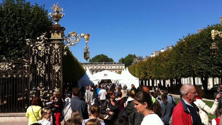 La place de la Carrière à Nancy en pleine fête du livre  (Culturebox)