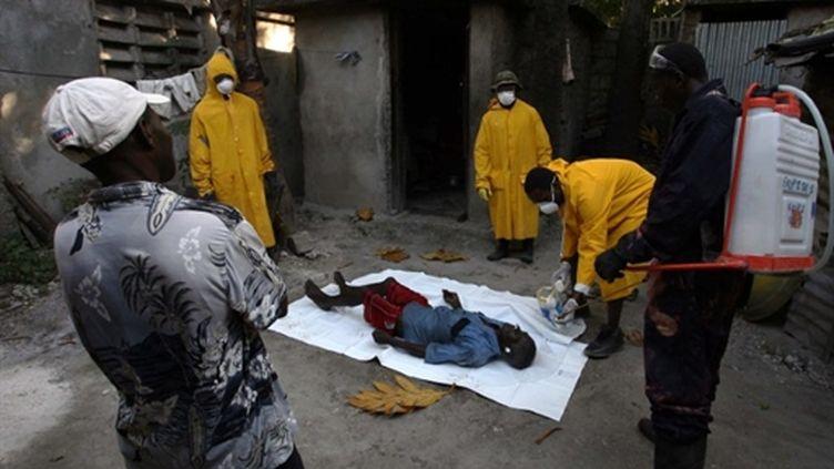 Une victime du choléra à Port-au-Prince, 27 novembre 2010. (AFP - Hector Retamal)