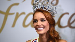 Maëva Coucke, élue Miss France 2018, lors d'une conférence de presse à Châteauroux (Indre), le 16 décembre 2017. (GUILLAUME SOUVANT / AFP)
