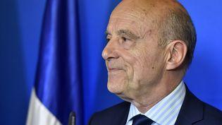 Le maire de Bordeaux Alain Juppé lors d'un discours le 23 avril 2017. (GEORGES GOBET / AFP)